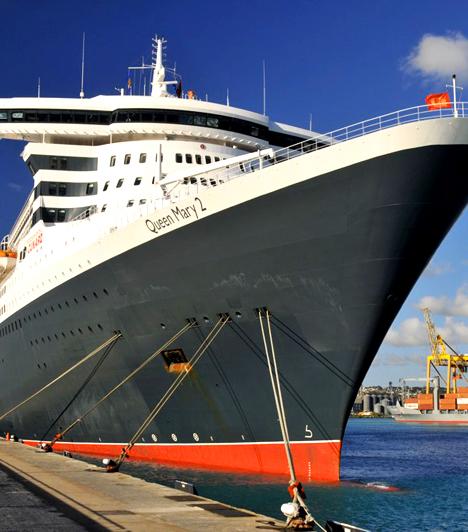 Queen Mary 2 - A Föld óceánjainIndulj világ körüli útra, mint Jules Verne hőse, Phileas Fogg, vagy éld át a nyílt vizek romantikáját egy rövidebb óceáni túra keretei között. A Queen Mary 2 a világ legnagyobb luxus óceánjárója. Fedélzetére lépve nem kell attól tartanod, hogy a Titanic sorsára jut, de arra jobb, ha felkészülsz, hogy pároddal együtt magával ragad benneteket a csillogás és a vágy.