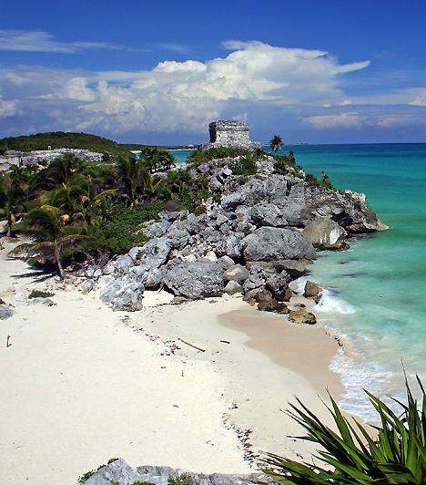 Maja riviéra - Tulum, MexikóMexikóban számos maja romváros található, de Tulum, a fallal körülvett ősi erődítmény különleges, hiszen éppen a Karib-tenger partján található. Itt egyszerre mártózhatsz meg a maja kultúra emlékeiben, a kalózok romantikájában, a langyos esti strandon átélt gyönyörökről nem is beszélve.Kapcsolódó cikk:2012-ben vége lesz a világnak? »