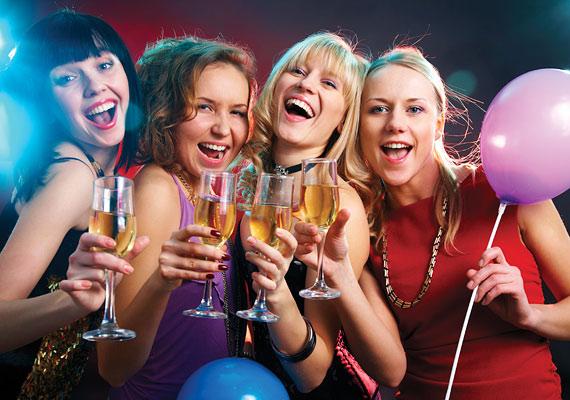 A bulifotók két okból sem bizonyulnak a legjobb választásnak. Nemcsak azt kell találgatnia a szemlélőnek, hogy melyik vagy te, hanem, hogy egyébként mennyire vagy közeli barátságban az alkohollal.