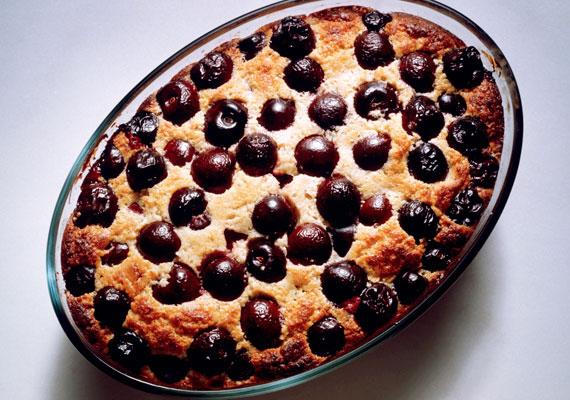 Joghurtos-meggyes bögrés sütiA bögrés süti sem vesz el órákat a pároddal töltött időből, és el sem lehet hibázni, tehát, ha még kicsit bizonytalanul mozogsz a konyhában, akkor ezt válaszd, és úgy biztos lesz a siker! Ha az egész napot együtt töltitek, az a legjobb, ha kettéosztjátok a feladatokat, így a közös munka gyümölcsét élvezhetitek majd együtt.