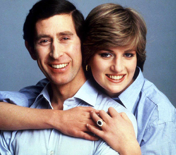 Károly herceg és DianaA köztudottan tragikus kimenetelű kapcsolat nem indult szerencsésen. Károly ugyanis érzelmileg sohasem szakadt el fiatalkori szerelmétől, Camillától, és az egészen fiatalon hercegnővé váló Diana - mindössze 18 éves volt, mikor férjhez ment - rettentő félénk volt. A hatalmas médiafigyelem sokkolta a lányt, férje titkos viszonya pedig féltékennyé és bizonytalanná tette.Az esküvőt követő évben megszületett Vilmos herceg, majd röviddel azután Henry herceg, de a gyerekek sem oldhatták fel a feszültséget a pár viszonyában. 1992-ben a brit miniszterelnök bejelentette a pár szétköltözését, amit 1996-ban válás követett. Sajnos azonban ez sem hozott hosszú boldogságot Diana életébe, akit egy év múlva életét vesztette egy autóbalesetben.