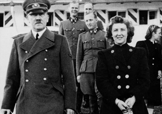 Adolf Hitler és Eva Braun kapcsolata nem mondható átlagosnak. A pár sosem titkolta, hogy milyen szexuális szokásaik vannak - kedvenc szerepjátékuk a fiát elverő anya volt. 16 évig élettársakként éltek, csak ezután házasodtak össze. A frigy azonban nem tartott sokáig, ugyanis esküvőjük napján mindketten ciánkapszulát vettek be, hogy együtt lépjenek a túlvilágra.