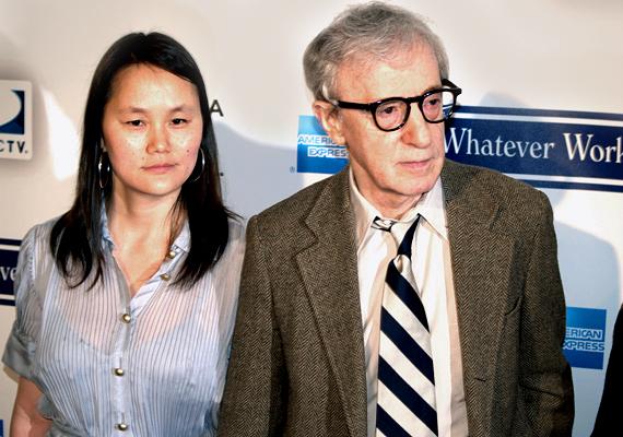 Woody Allen és Mia Farrow 14 évesen fogadták örökbe Soon-Yi Prevint, ám az apa-lánya kapcsolatból hamar szerelem lett. Woody viszonyt kezdett a nála 30 évvel fiatalabb mostohalányával, ami mindenkit megbotránkoztatott, ám úgy tűnik, az idő rácáfolt a kételkedőkre, 1997 óta házasok.