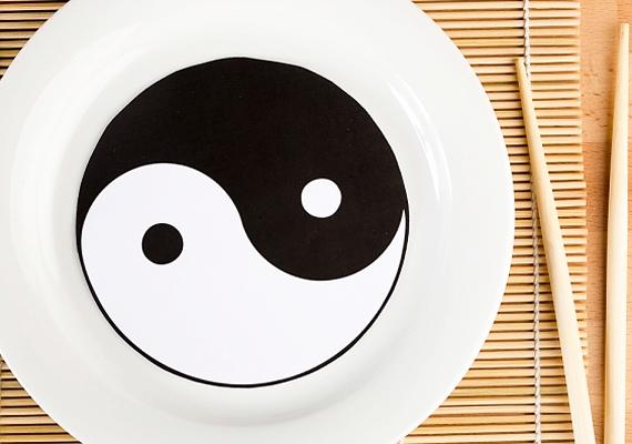 A jin-jang a férfit és a nőt szimbolizálja, a két energia nem létezhet egymás nélkül.