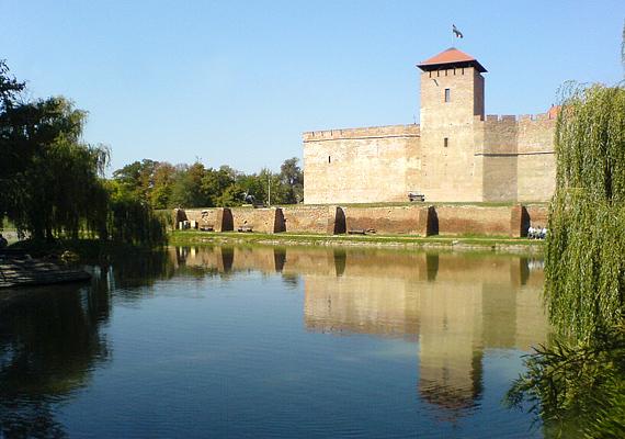 Gyula - történelmi múltja miatt - egyértelműen a szerelem színhelye.