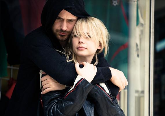 A Michelle Williams és Ryan Gosling főszereplésével készült film egy tönkrement házasságot mutat be, melyben a férfi semmit sem változott, viszont a nő sorra lemondott az álmairól. A pár úgy dönt, hogy megpróbálja rendbe hozni a dolgokat.
