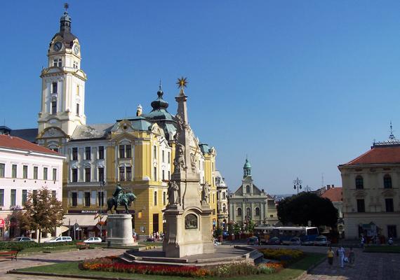 Violetta: - Az én kedvencem Pécs, itt aztán lehet andalogni a kis utcákban és a székesegyház előtti fasorban.