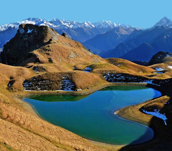 A Montagnon-tó a francia Pireneusokban található.