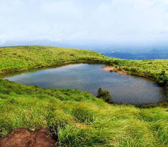 Egy kis kitérő az ázsiai kontinensre: ez a tó Indiában, azon belül Keralában található.