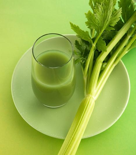 ZellerAz E-vitamint taralmazó zöldségek - köztük elsősorban a zeller - és gyümölcsök növelik a szexuális-étvágyat. Használd a valentin napi vacsi fűszerezésénél, ha felejthetetlen együttlétre vágysz.