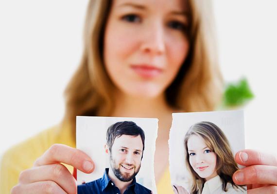 Az exA párod exe mindenkori veszélyt jelent, hiszen ő régen a szerelme volt. Főleg azok az exek problémásak, akik nem képesek túllépni a szakításon, és akár hívogatják vagy fel is kereshetik a pasid.