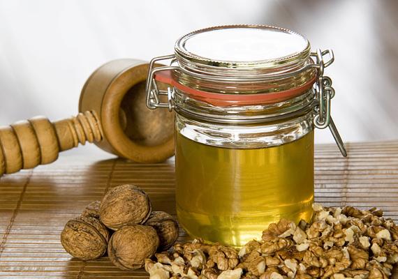 A mézben eltett magvak nemcsak ínycsiklandóan finomak, de az így kapott csemege még egészséges is.