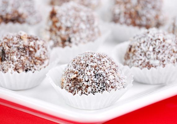 A kókuszgolyóhoz még a sütőt sem kell bekapcsolnod. Íme, a recept! »