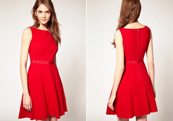 Ha szeretnél a hangulathoz öltözni, akkor válaszd a piros színt. Ez a letisztult vonalú, egyszerű ruhaköltemény tökéletes minden testalkatra, ráadásul érvényesül benne a kevesebb néha több szabálya.