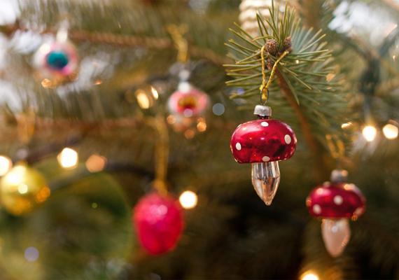 Talán nem is volt a nyolcvanas években olyan karácsonyfa, amelyen ne lógott volna gombadísz.
