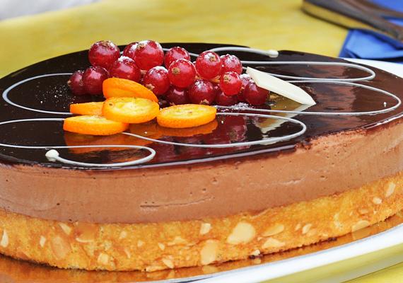 A narancsos csokitortával bárkit levehetsz a lábáról! Íme, a recept! »
