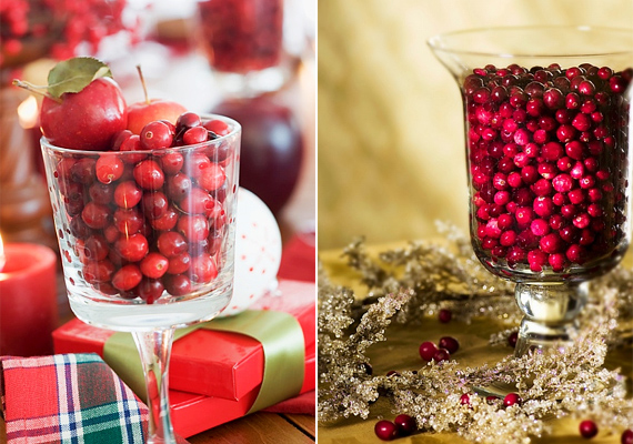 Habár karácsonykor ritkaságszámba mennek a bogyós gyümölcsök, egy üvegvázával és egy maréknyi bogyóval látványos dekorációt készíthetsz.
