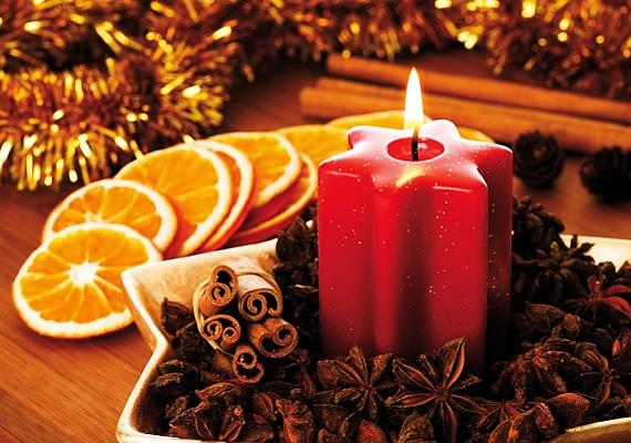 A narancs sárga színe, valamint a barna kiegészítők és a piros gyertya remekül harmonizálnak egymással.