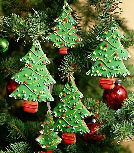 Mézeskalács díszek  Akár a mézeskalácsokat is felhsználhatod a dekoráció elkészítéséhez. Ha szépen kidíszíted a fenyőfa, harang vagy éppen csillag mintákat, igazán egyedien dekorált karácsonyfát tudhatsz magadénak.