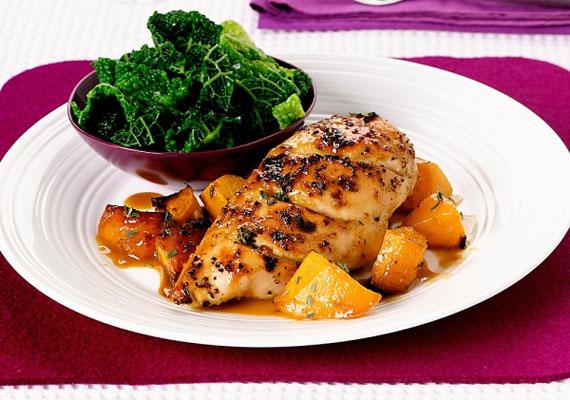 A csirkemell kevéssé intenzív ízének köszönhetően szinte bármilyen páccal működőképes - sőt, minél pikánsabb ez utóbbi, annál jobb. Ennek jegyében próbáld ki a sörös-mézes pácot! A receptért kattints ide! »