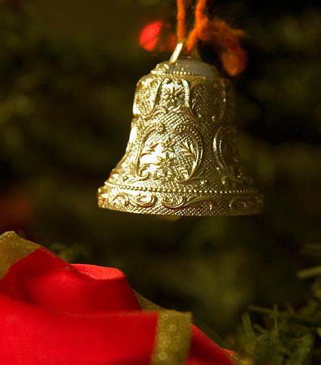 HarangA harang az angyalok érkezését jelzi, és a karácsony hangulatát idézi. Hangja rezgésbe hozza a levegőt, és ezzel pozitív energiával tölti meg környezetét. A pogányok démonűző hatást tulajdonítottak neki.