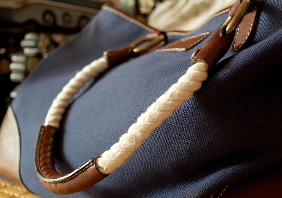 Valószínűleg nincs olyan nő széles e világon, aki ne örülne egy újabb táskának.