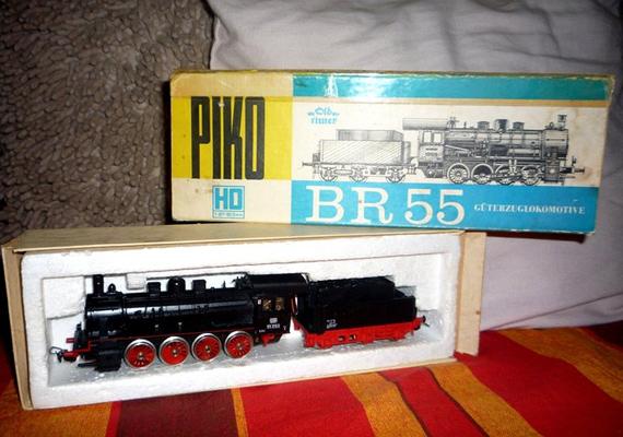 A BR 55-ös mozdony a kisfiúk álma volt, természetesen terepasztallal.