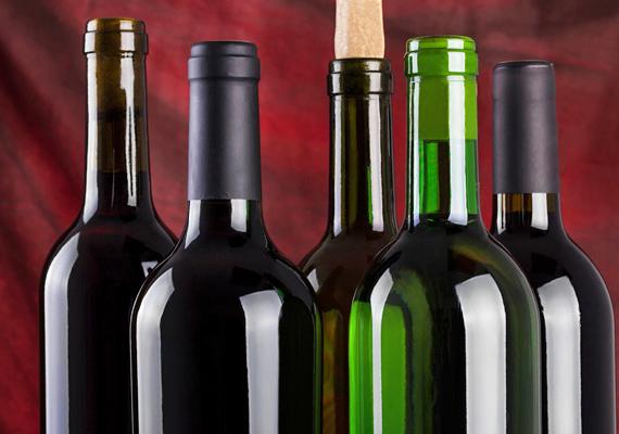 Egy nem mindennapi bor vagy akár egy minőségi whisky is remek választás lehet, természetesen az ajándékozott ízlésétől függően.