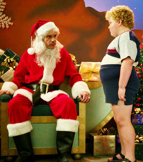 Tapló télapó  Willie minden évben áruházi Mikulásnak öltözik. A piros köpeny alatt azonban valójában egy kasszafúró bújik meg, aki mindig karácsony estére időzíti a nagy fogását. Amikor a vásárlók hazamennek a bevásárló központból, a Mikulás és bűntársa, a találékony és ügyes Manó - a törpe növésű Marcus - feltörik az áruház széfjét, és odébb állnak a zsákmánnyal. A Mikulás és társa ez évi akcióját azonban veszély fenyegeti az idegesítő üzletvezető, a bolti detektív, a szexis Mikulás-rajongó és az ártatlan, de szándékaiban eltökélt nyolcéves kissrác személyében.