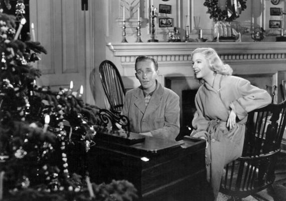Egész évben farsang, 1942: Jim és Ted együtt mulattatják a közönséget, egészen addig, míg Ted el nem csábítja Jim feleségét. Jim visszavonul, a farmján létrehoz egy mulatót, ahol egy ígéretes tehetségű lányt szerződtet. Mindeközben újból felbukkan Ted, aki alig várja, hogy mély benyomást tegyen a közönségre és az ifjú hölgyre is.