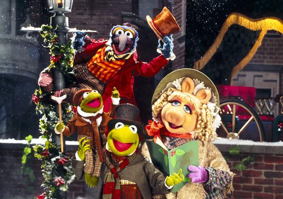 Muppették karácsonyi éneke, 1992: Charles Dickens Karácsonyi énekének muppetes feldolgozása sok-sok dallal és a kedvencekkel, Brekivel, Miss Röfivel és a többiekkel. Scrooge szerepében Sir Michael Caine látható.