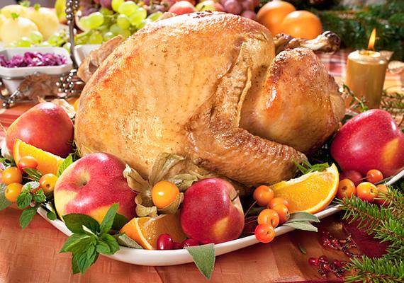 Az angolszász töltött pulyka is egyre kedveltebb fogás karácsonykor. Íme, egy almás recept! »