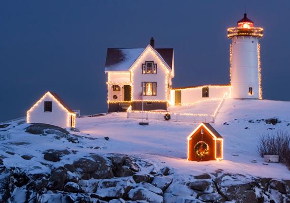 Nagyon romantikus lehet egy ilyen világítótoronyban ünnepelni a szerelmeddel, elzárva a külvilágtól. A háttérkép letöltéséért kattints ide! »