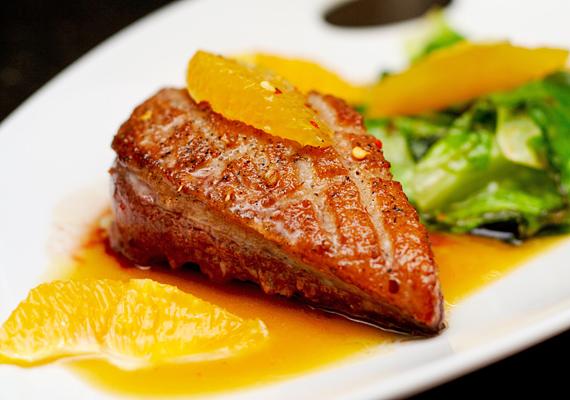 A narancsos kacsasült klasszikus ünnepi fogás. Így készítsd el! »