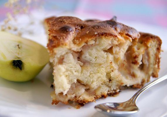 A nagymama almás lepényét lekörözni ugyan nem lehet, de azért te is kipróbálhatsz egy gyors változatot, ami szintén nagyon finom.