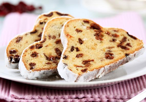A gyümölcsdarabos püspökkenyér akár reggelire is tökéletes választás. Kattints ide a receptért! »