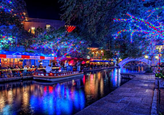 Vannak helyek, ahol a karácsony nem hoz havat. Ez azonban nem jelenti azt, hogy a hangulat ne lenne ünnepi. Itt töltheted le a nagy felbontású képet!