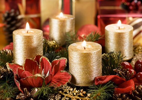 Az arany-piros egyesítése nemcsak tipikus karácsonyi színösszeállítás, de melegséggel tölti be a szobát.