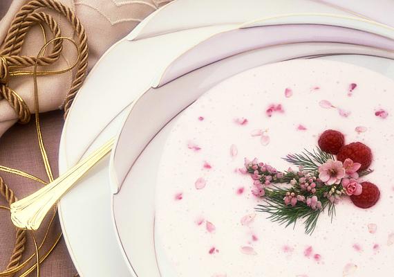 A málnaleves vörösborral megbolondítva megédesíti az ünnepet. Íme, a recept! »