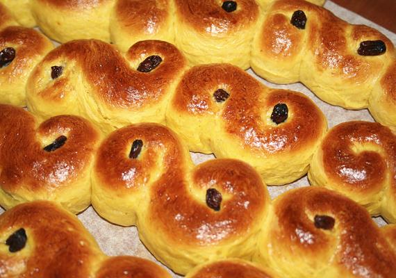 Bármilyen más sütemény is ugyanúgy megfelel a célnak - a képen a skandinávok tradicionális Luca-napi csigája látható.