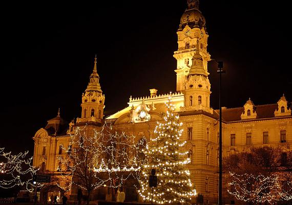 Győrben nem csak a fenyők kapnak díszkivilágítást.