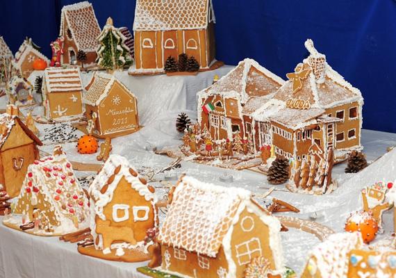 Tavaly száz mézeskalács-épület alkotta a hófödte várost.
