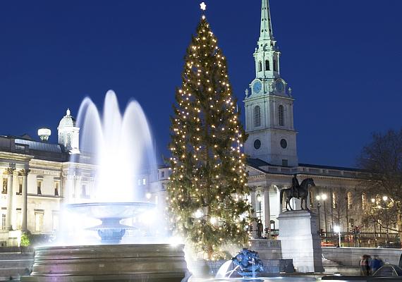 Az angliai Trafalgar tér történelmi hangulatával már önmagában is impozáns, de karácsonyi pompájában egyenesen lenyűgöző.
