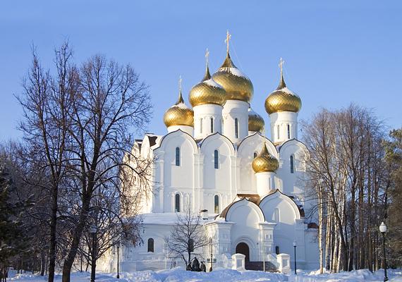 Az oroszországi Jaroszlavl városa nem olyan híres, mint Szentpétervár, de havas temploma és az előtte álló apró betlehem igazán magával ragadó.