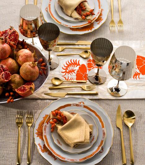 Terítéshez  A természetes dekoráció a terített ünnepi asztalhoz is passzol. Tegyél néhány gránátalmát egy tálba, bogyókat a tányérokba, és már kész is.