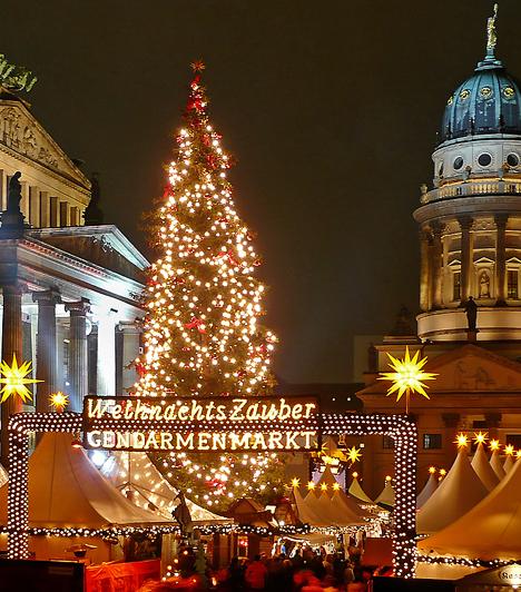 Berlin  Németország fővárosa már novemberben karácsonyi fénybe borul. Az ünnepi készülődés itt nagy hagyományokra tekint vissza: a várost ellepik a karácsonyi árusok, és több tucatnyi karácsonyi vásár várja a látogatókat.