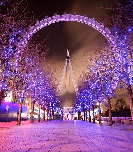 London  A brit főváros sem késlekedik egyik évben sem minél előbb felölteni ünnepi ruháját. A karácsonyi hangulat már november végén körbelengi a várost, melynek híres utcái - így a Regent Street és az Oxford Street - pazar díszkivilágításban ünnepel, és tízezreket vonz London szívébe.