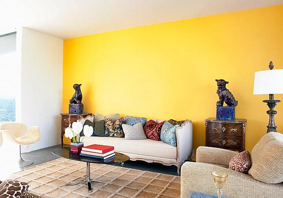 A sárga rendkívül erős energiákat sugároz, az arra érzékenyeknél érzelmi hullámzást, kicsapongó, szélsőséges érzelmeket okozhat.