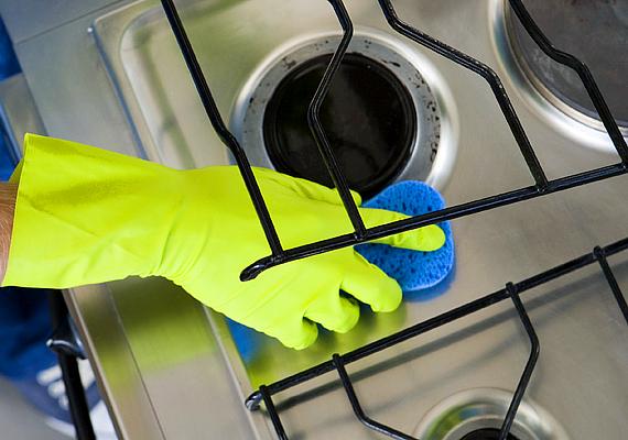 Tűzhelytisztításra is kiváló, igen hatékonyan oldja a zsírt. Egy evőkanálnyit keverj el egy kevés ecettel, makacs szennyeződések ellen pedig használd töményen.