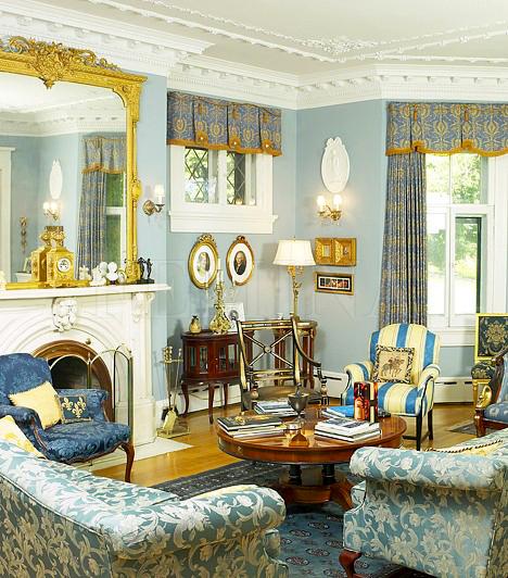 Antik berendezés                         Az antik berendezés mindig drága és fényűző hatást kelt a lakásban, de nem feltétlenül tükröz kifinomultságot. Manapság nagyon divatosak a kevert irányzatok, vagyis a rokokó stílus díszes elemei hangsúlyt kaphatnak az otthonosságot felértékelő angol viktoriánus dekoráció mellett - mely a díszpárnákkal, drapériákkal és a hangulatteremtő elemekkel esik olykor túlzásokba -, illetve mindezt megfűszerezhetik a biedermeier stílusjegyek. Az arany középúton járva elegáns lehet a végeredmény, de a végletek ebben az esetben sem szerencsések, mert így könnyen múzeummá varázsolhatod az otthonodat, melyben nem lehet kényelmesen élni.